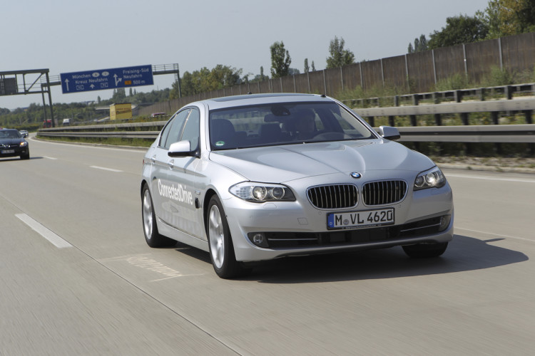 011 bmw 5 series connected drive 750x500