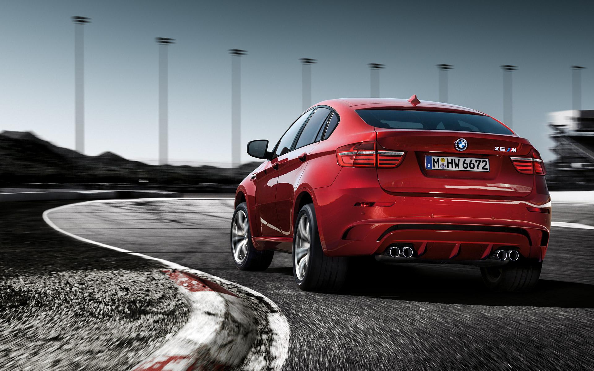 2013 BMW X6M Review - Video