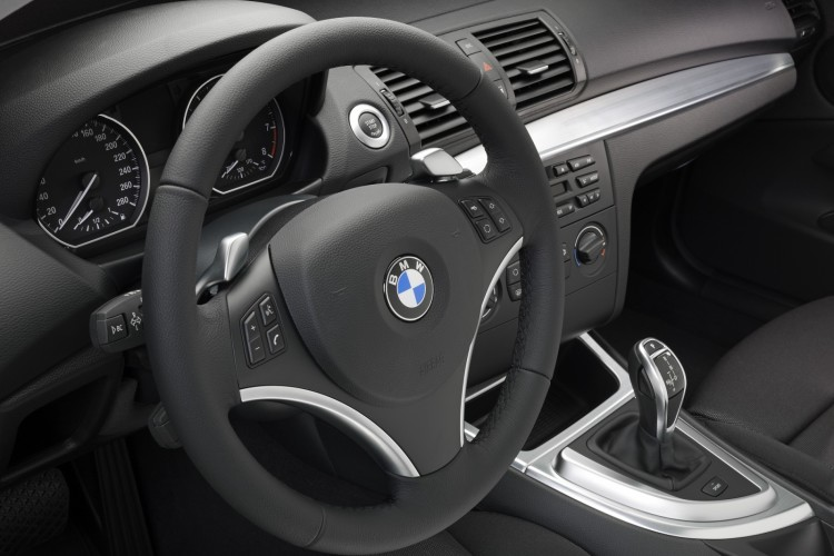 Photo Gallery Bmw 135i Coupe And Convertible Model Year 2010