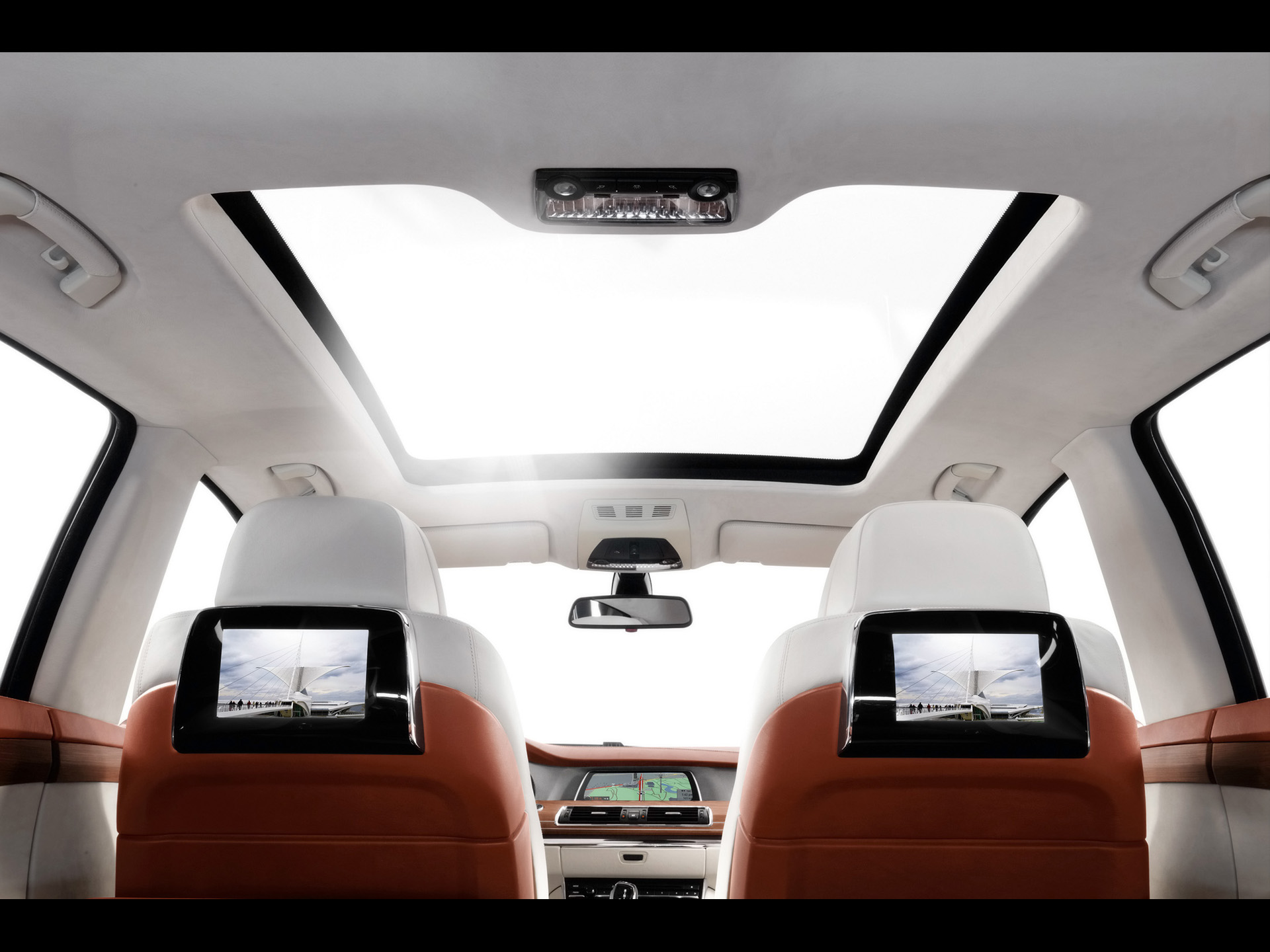 2009 BMW Concept 5 Series Gran Turismo Panorama Glass Roof 2 1920x1440
