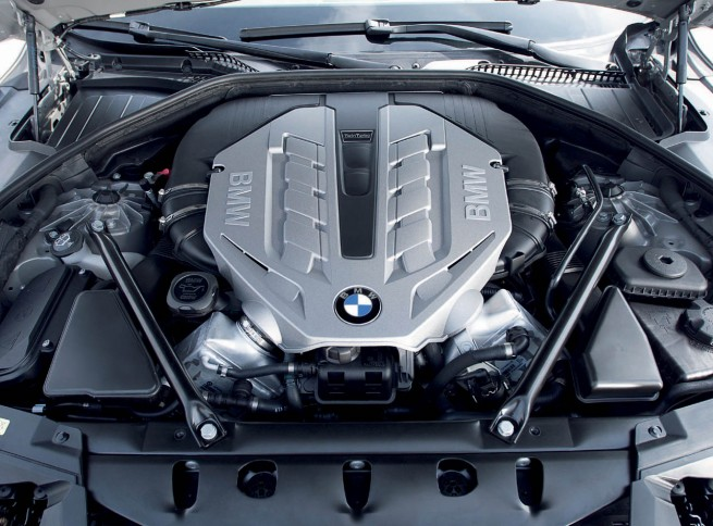 2009-bmw-7-series-engine