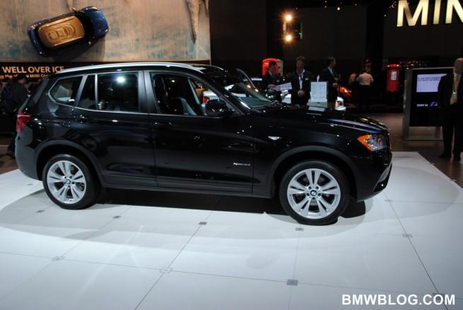 2010 la auto show 981 655x438