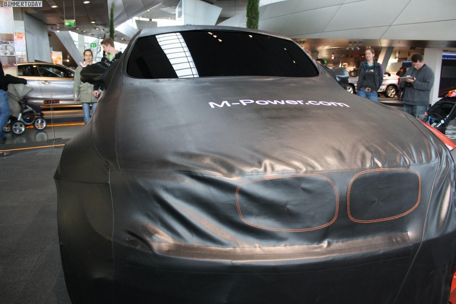 BMW 1er M Coupé BMW Welt Nov2010 01