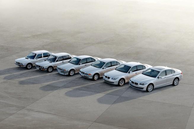 2011 BMW 5 Series 74 655x436