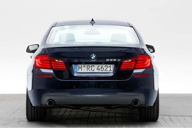 2011 BMW 550i M Sport package Rear 655x436