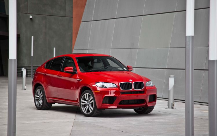 2011 BMW x6 m front view