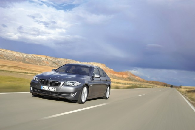 2011 bmw 5 series photos 1 654x436