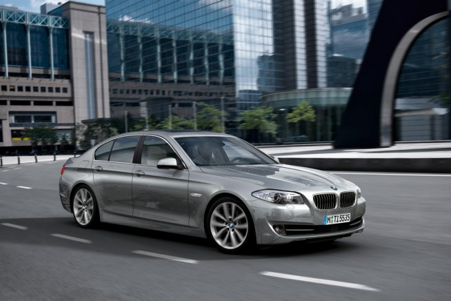 2011 bmw 5 series photos 162 654x436