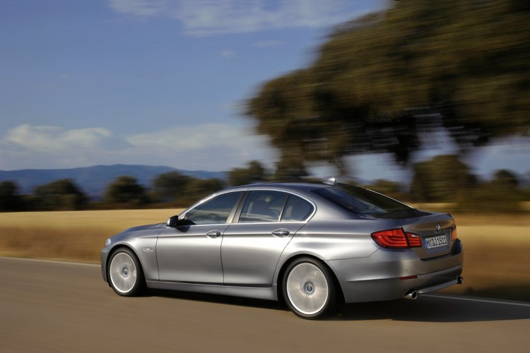 2011 bmw 5 series photos 861 750x500