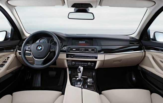 2011 BMW 5 Series interior design