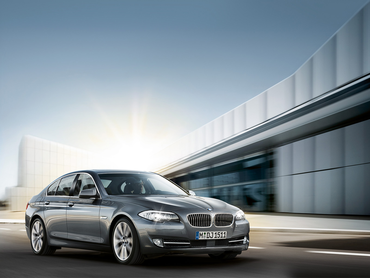2011 bmw 5 series sedan wallpaper