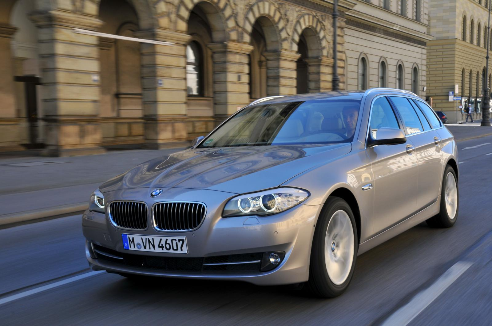 2011 bmw 5 series touring 520d