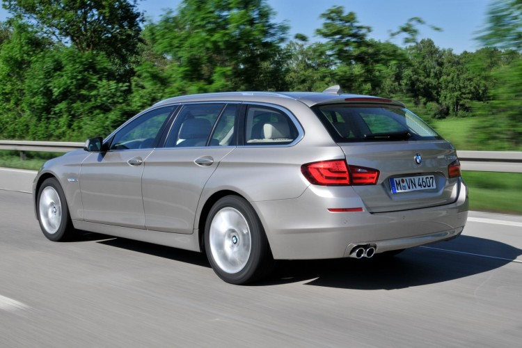 2011 bmw 5 series touring images 2 750x500