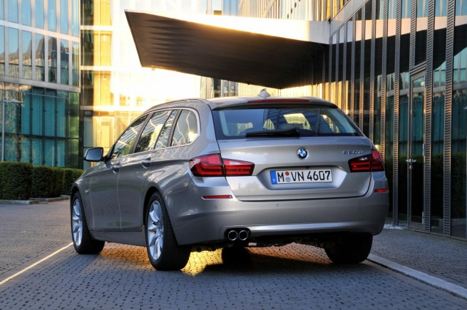 2011 bmw 5 series touring images 50 655x435