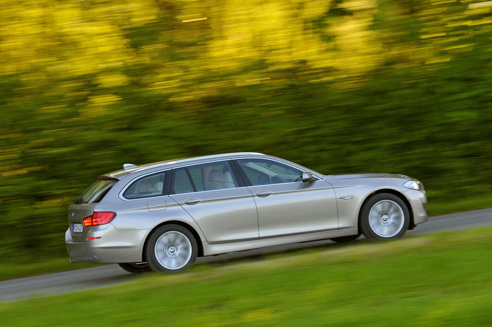 2011 bmw 5 series touring images 621