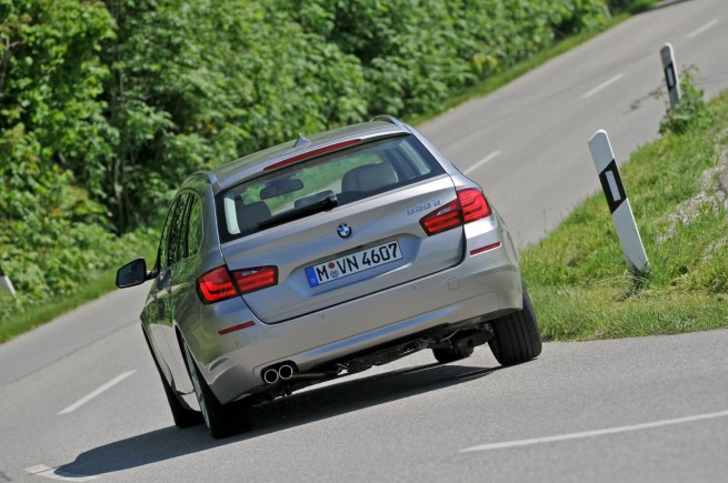2011 bmw 5 series touring images 651 655x435