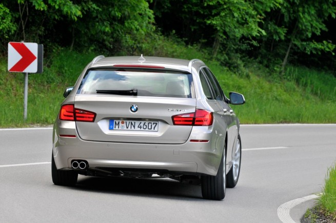 2011 bmw 5 series touring images 751 655x435