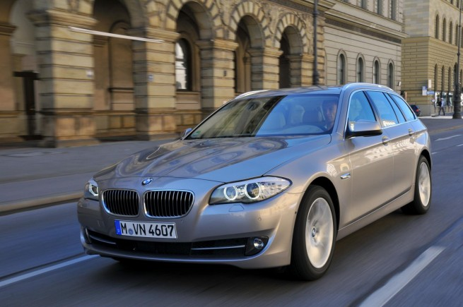 2011 bmw 5 series touring images 771 655x435