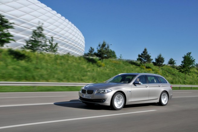 2011 bmw 5 series touring images 821 655x435