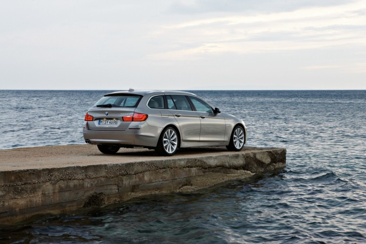 Automobile Mag Test Drive: 2011 BMW 530d Wagon