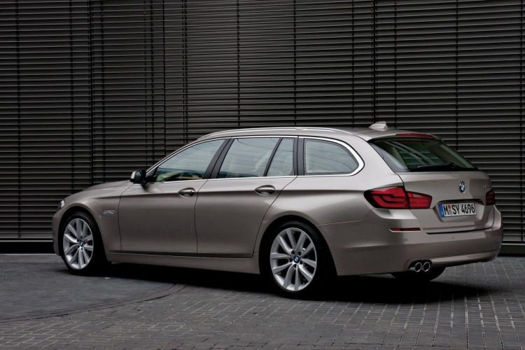 2011 bmw 5 series touring wagon 62 750x500