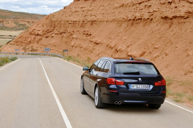 2011 bmw 5 series touring wagon 9 12 655x435