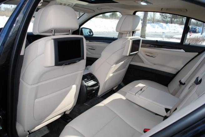 2011-bmw-535i-interior-1