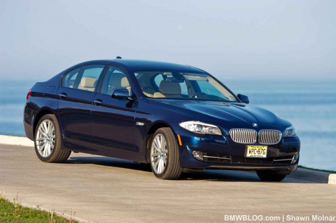 2011 bmw 550i photos 261 655x435