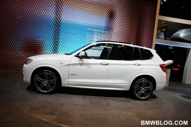 2011-bmw-x3-m-package-27