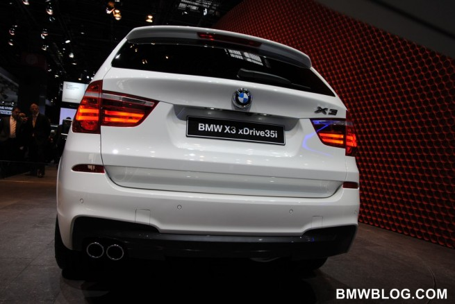 2011-bmw-x3-m-package-39