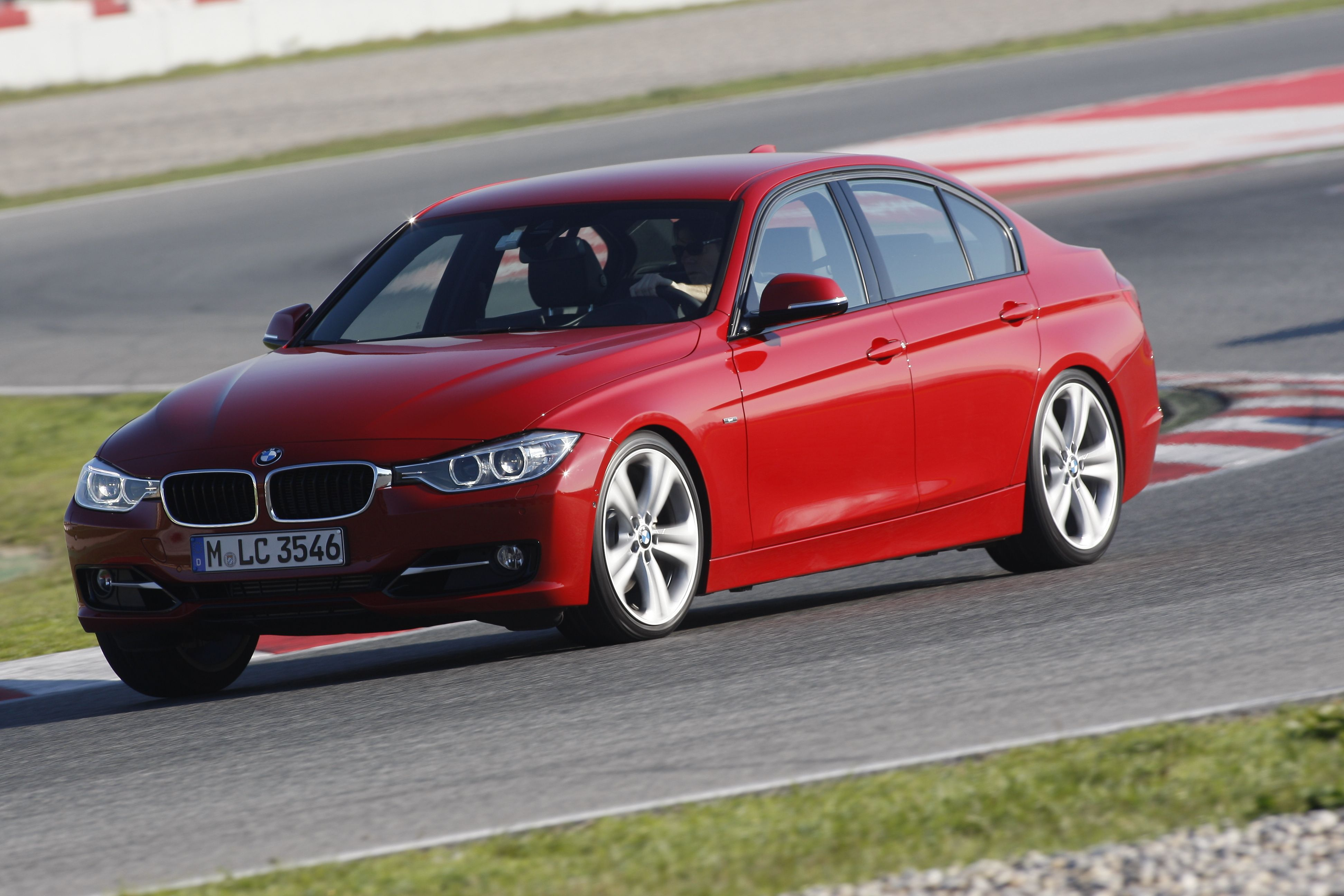 2012 bmw 3 series on track  324