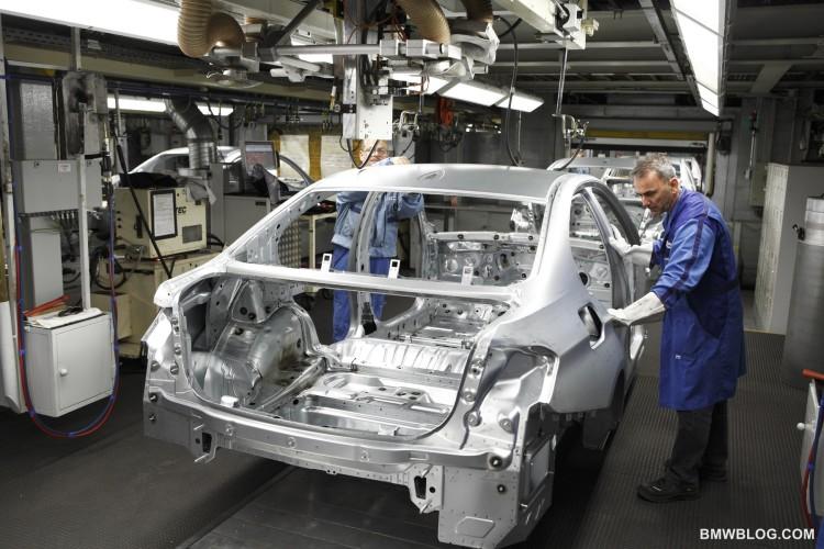 2012 bmw 3 series production 12 750x500