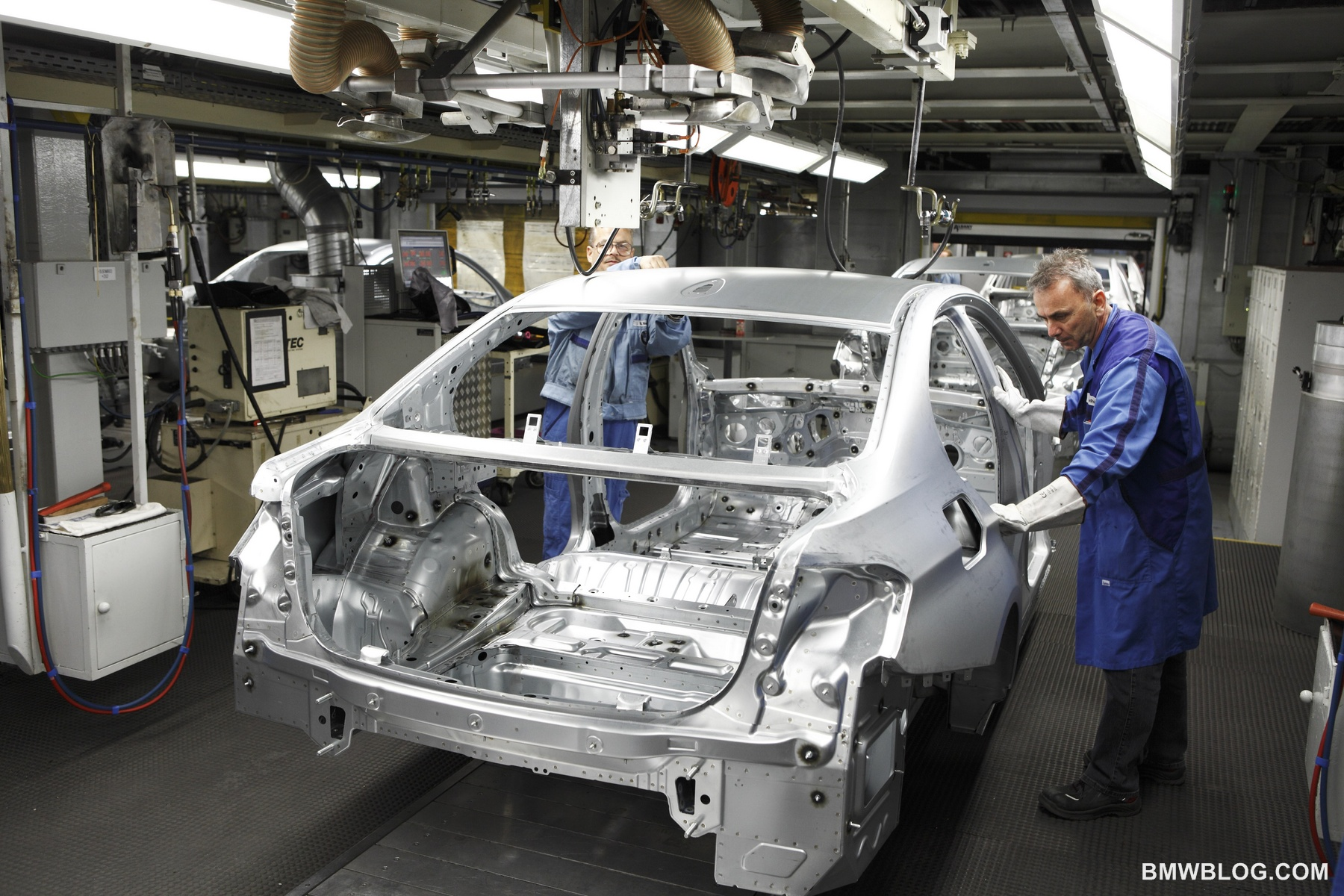 2012 bmw 3 series production 12