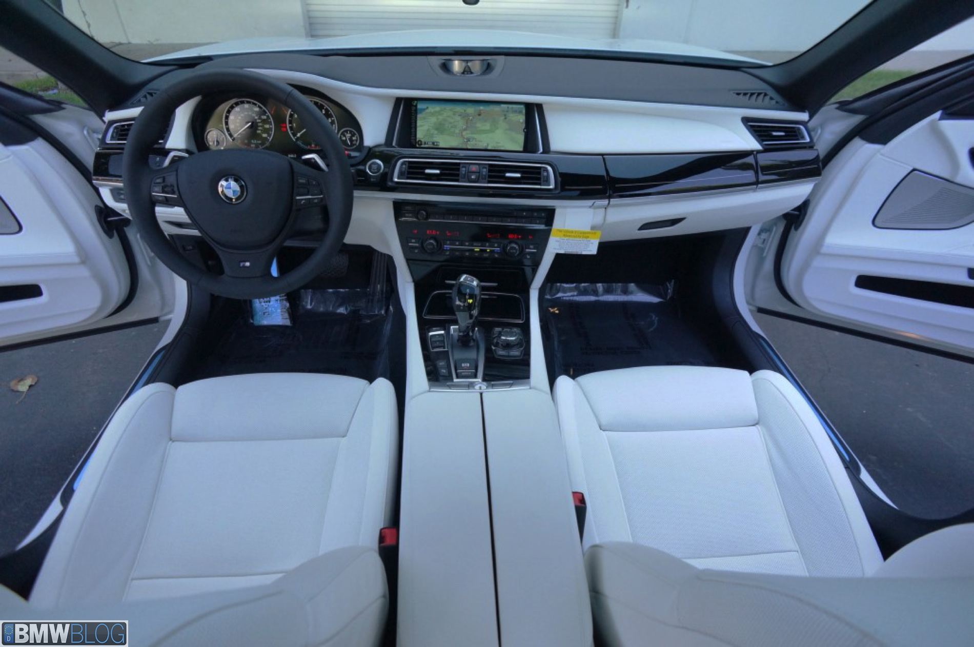 2013 BMW 750Li M Sport frozen brilliant white 09