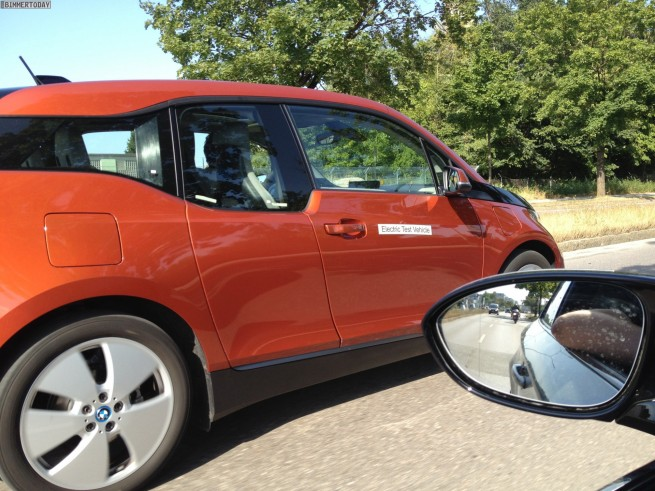 2013 BMW i3 Solarorange Live Foto ungetarnt Elektroauto 02 655x491