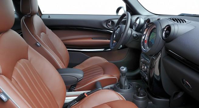 2013-MINI-Cooper-S-Paceman-interior1