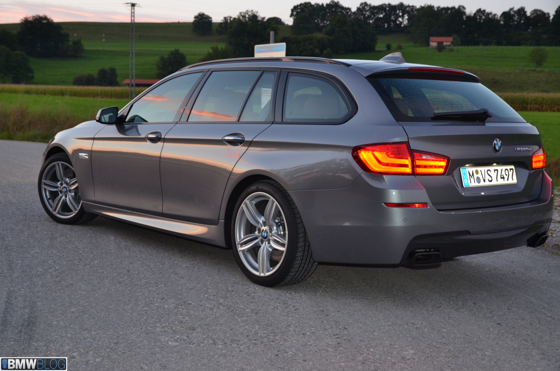 2013 bmw m550d xdrive touring. Black Bedroom Furniture Sets. Home Design Ideas