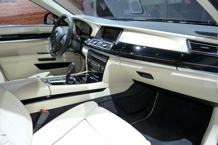 2014 BMW 7er Final Edition Individual F02 Interieur Autosalon Paris LIVE 05 750x500