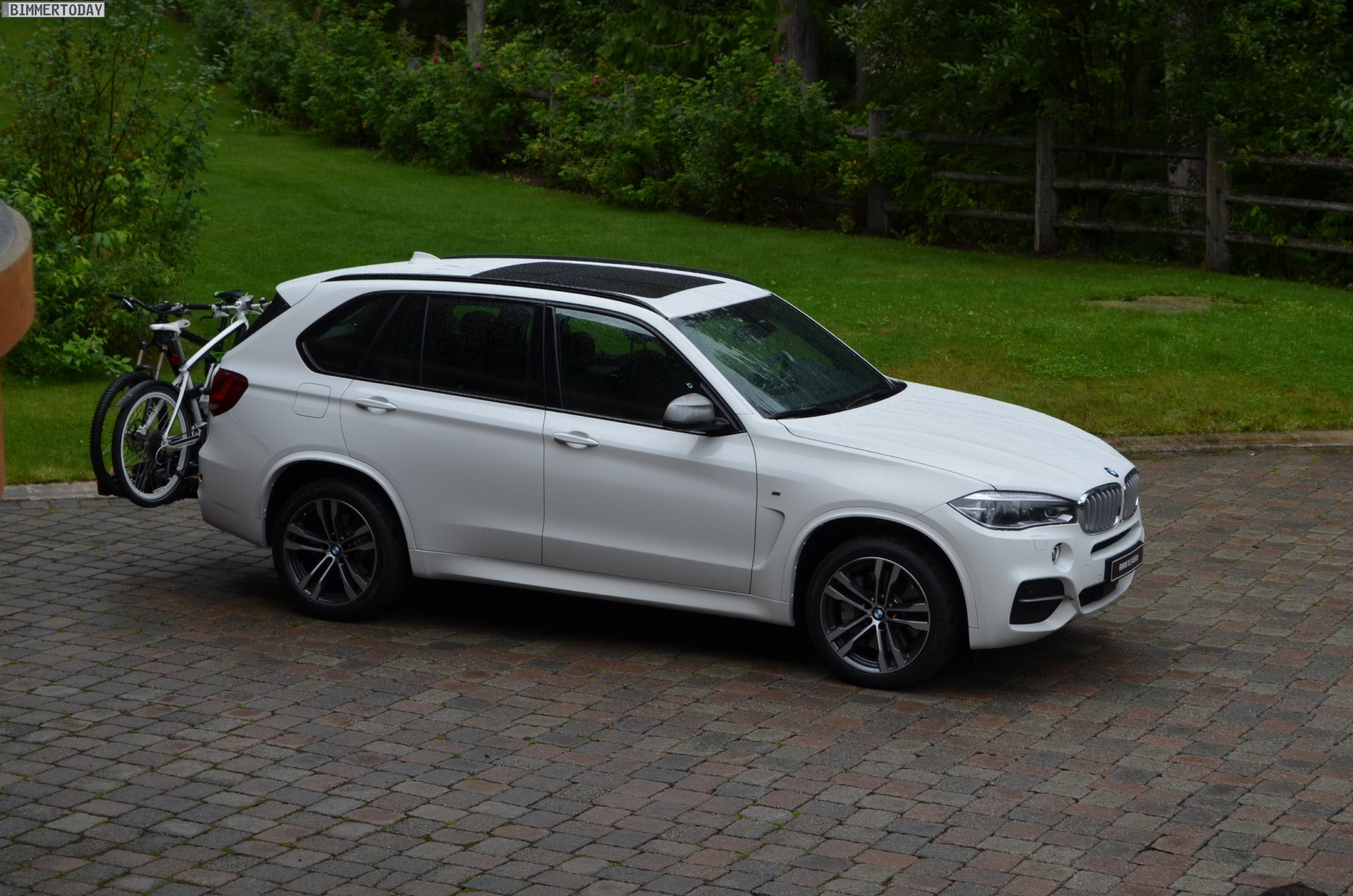 Audi Q7 Vs BMW X5 >> Photo Comparison: BMW X5 M50D vs Audi SQ7 TDI
