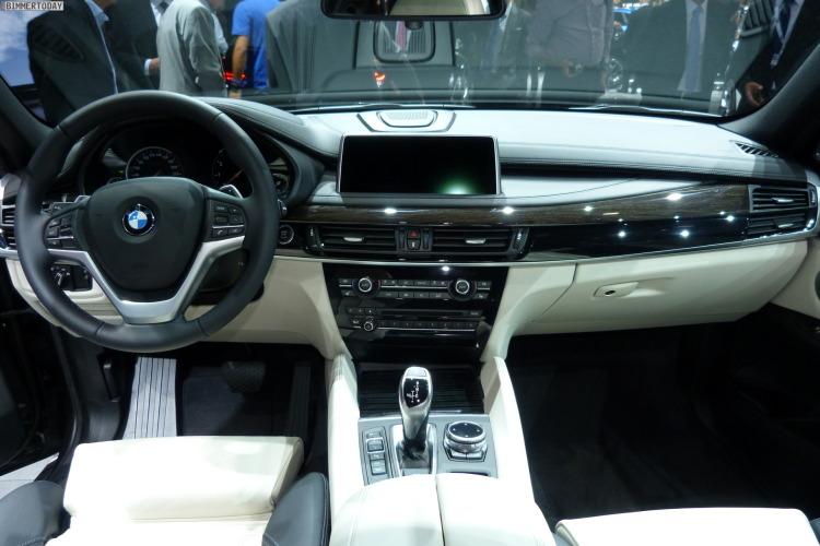 2014 BMW X6 F16 xDrive 50i Sparkling Storm Autosalon Paris LIVE 06 750x500