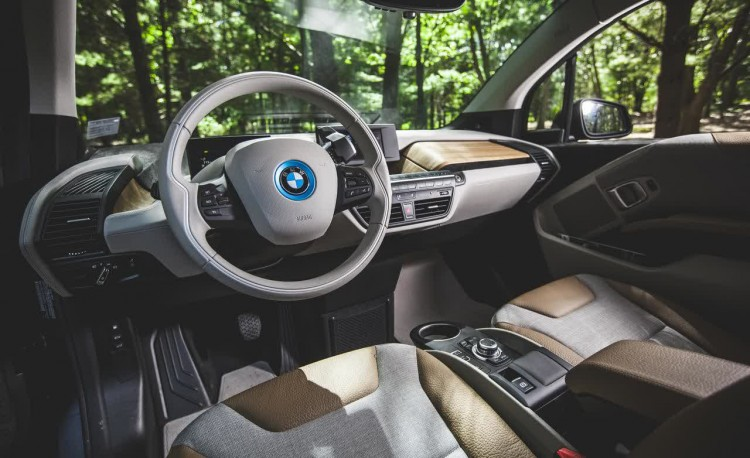 2014 BMW i3 Driver Cabin 750x458