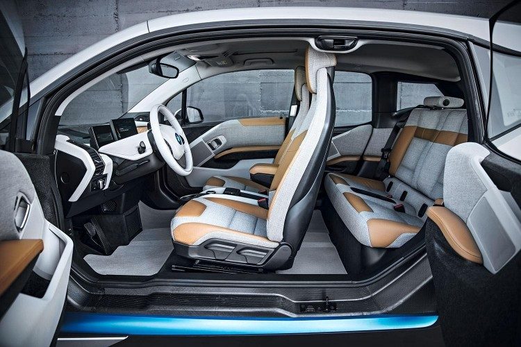 2014 bmw i3 interior front and rear 750x500