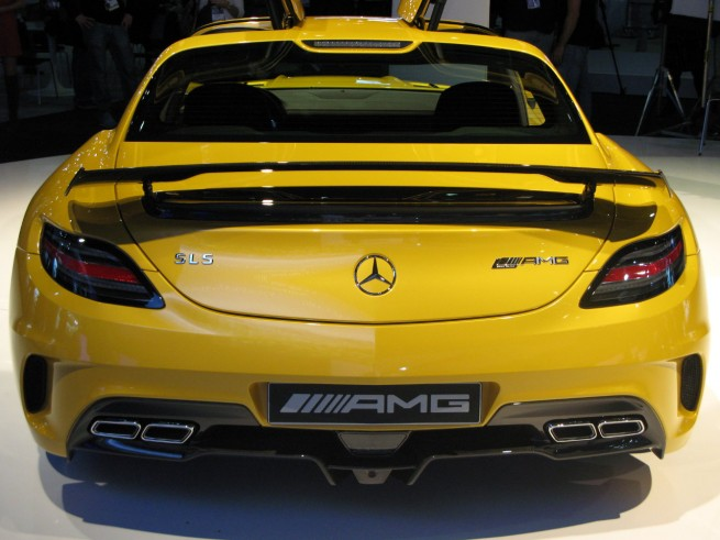 2014 mercedes benz sls amg black series rear view 655x491