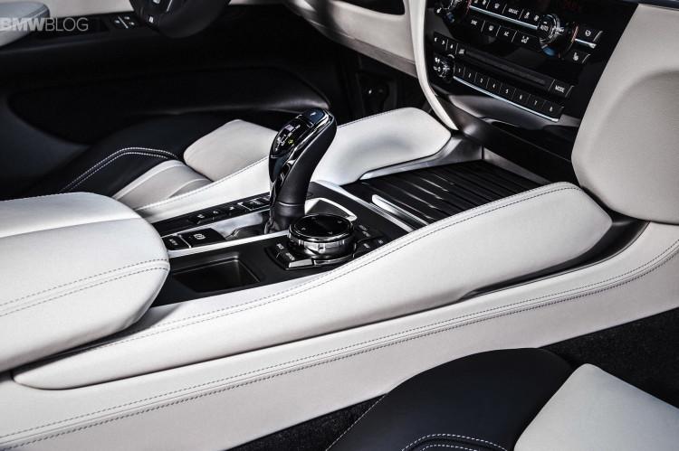 2015-BMW-X6-images-18