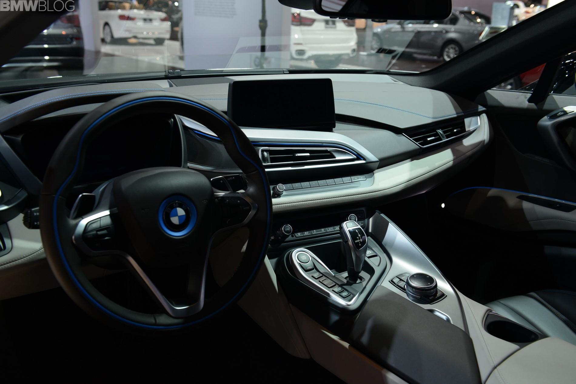 2015 bmw i8 chicago auto show 01