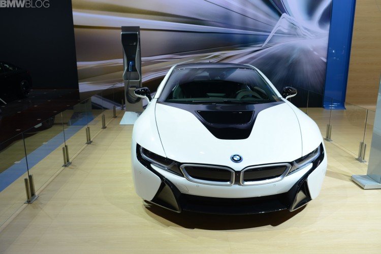 2015 bmw i8 chicago auto show 24 750x500
