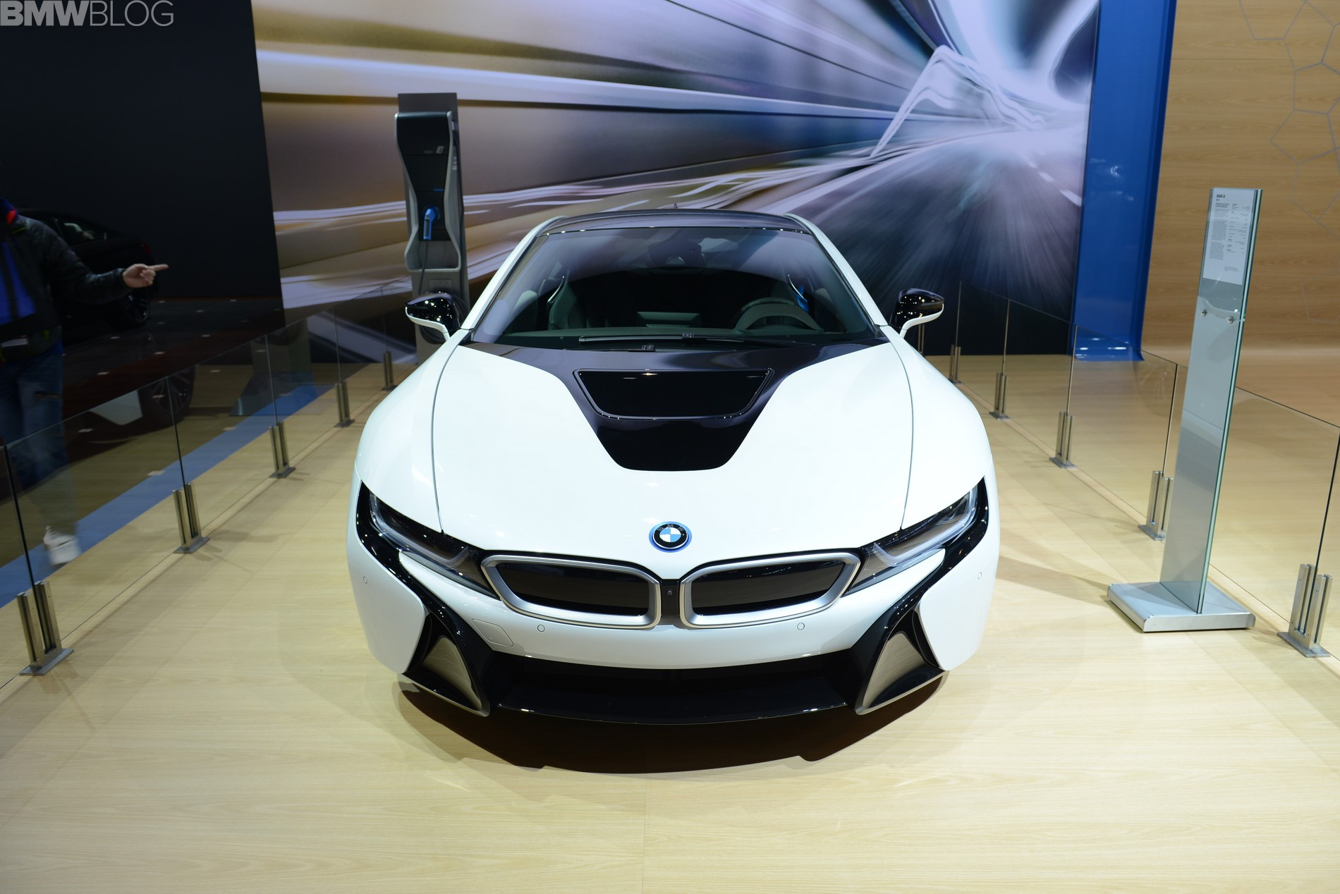 2015 bmw i8 chicago auto show 25