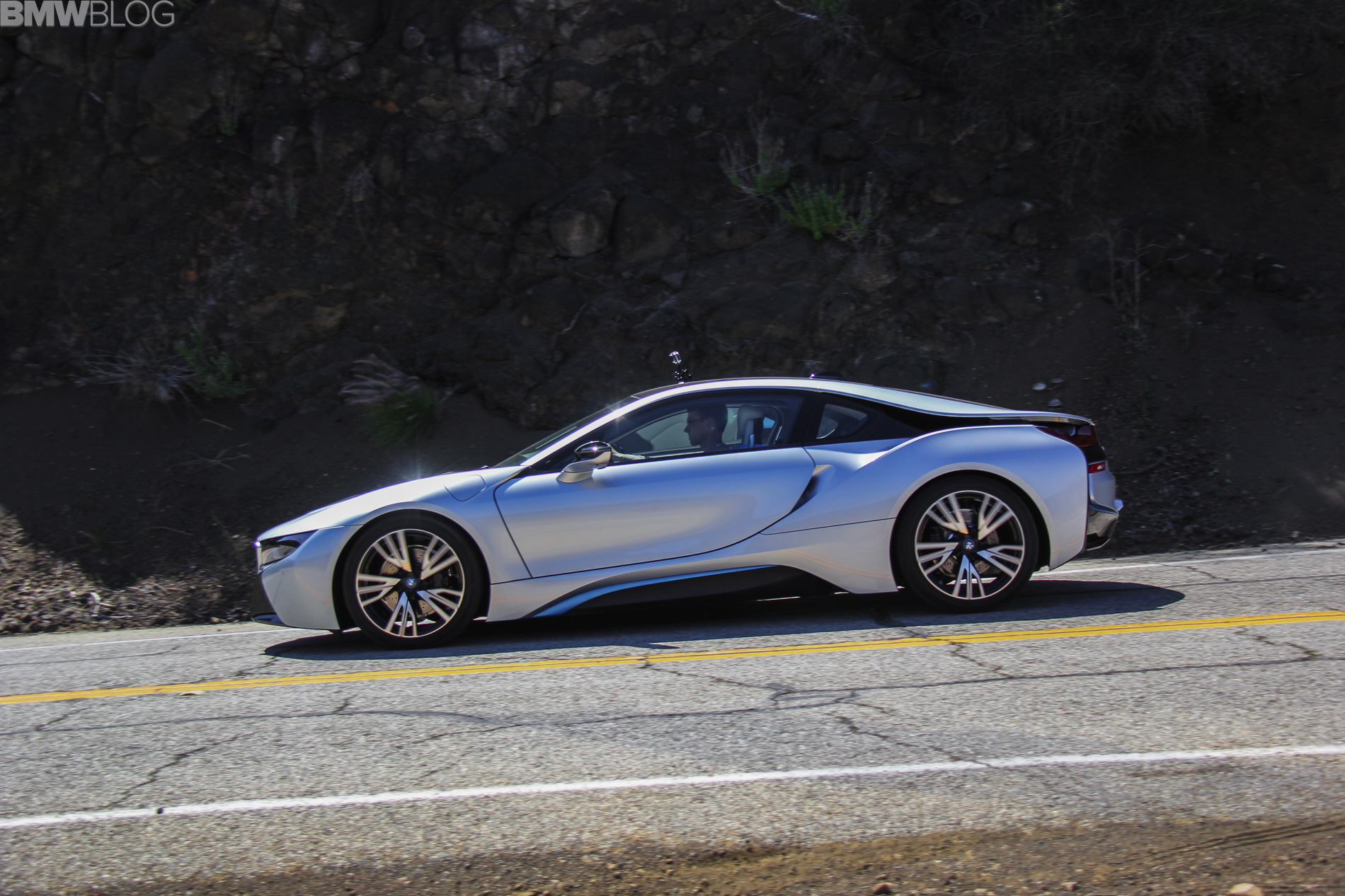 2017 Bmw I8 Drive Review 13 750x500