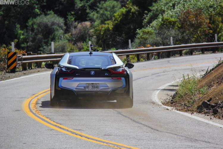 2015-bmw-i8-drive-review-14