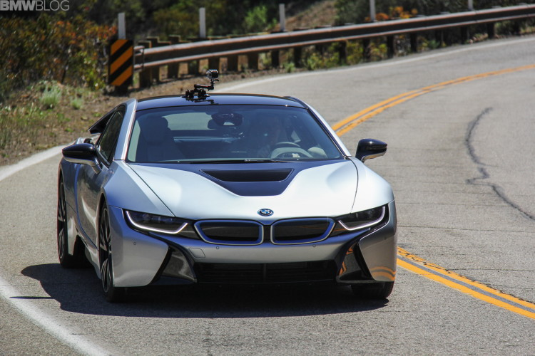 2015-bmw-i8-drive-review-16